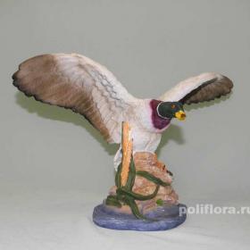 утка летит, фигурка , декор, уточка, подарок охотнику