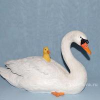 Лебедь с утятами 26 см LG0899-A1