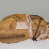 Лисица спит 32 см MG22175